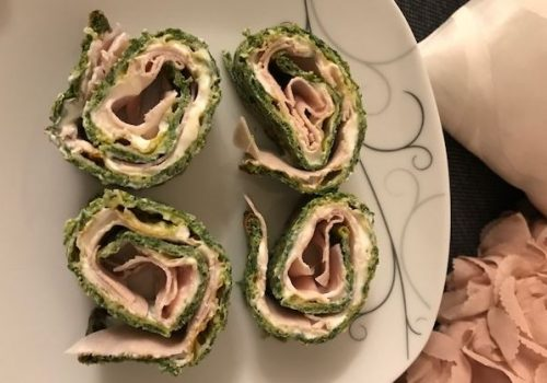 Low Carb Spinatrolle mit Frischkäse
