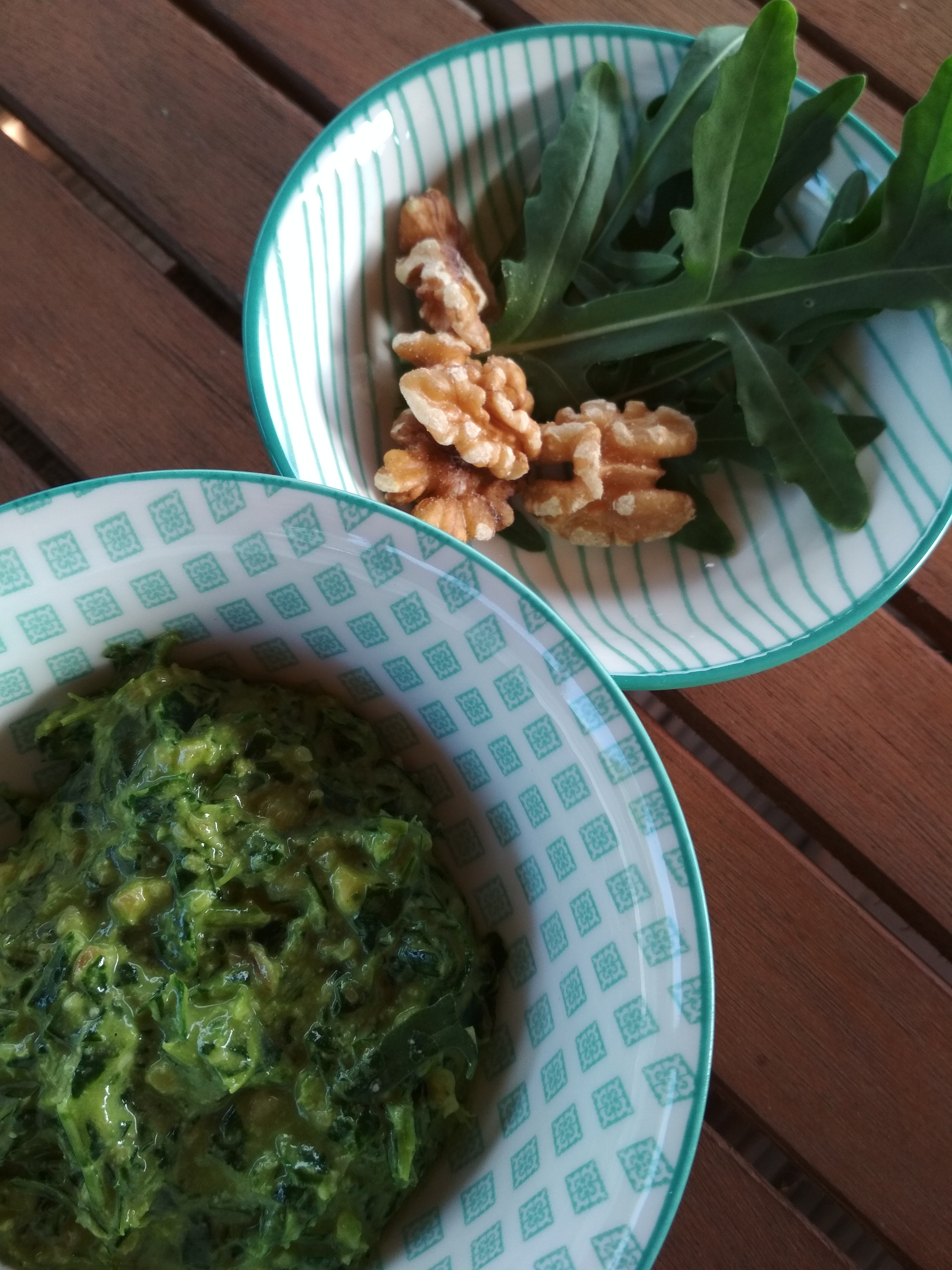 Rucola-Walnuss Pesto