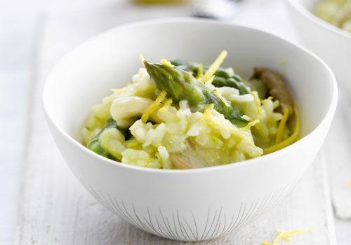 Risotto mit grünem Spargel, Champignons und Parmesan